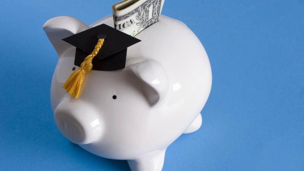 college+piggy+bank1
