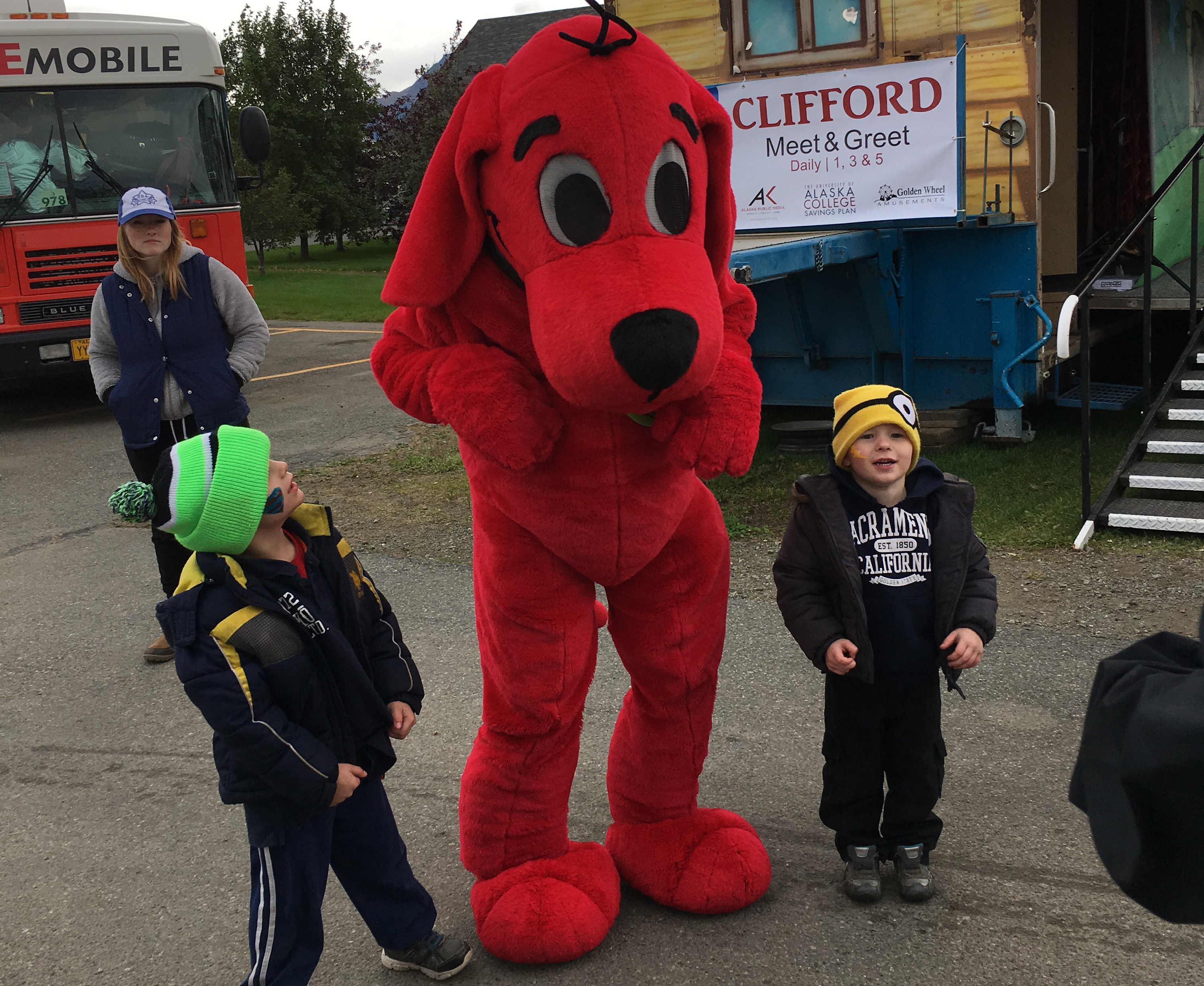 Clifford the Big Red Dog Meet & Greet   Alaska State Fair